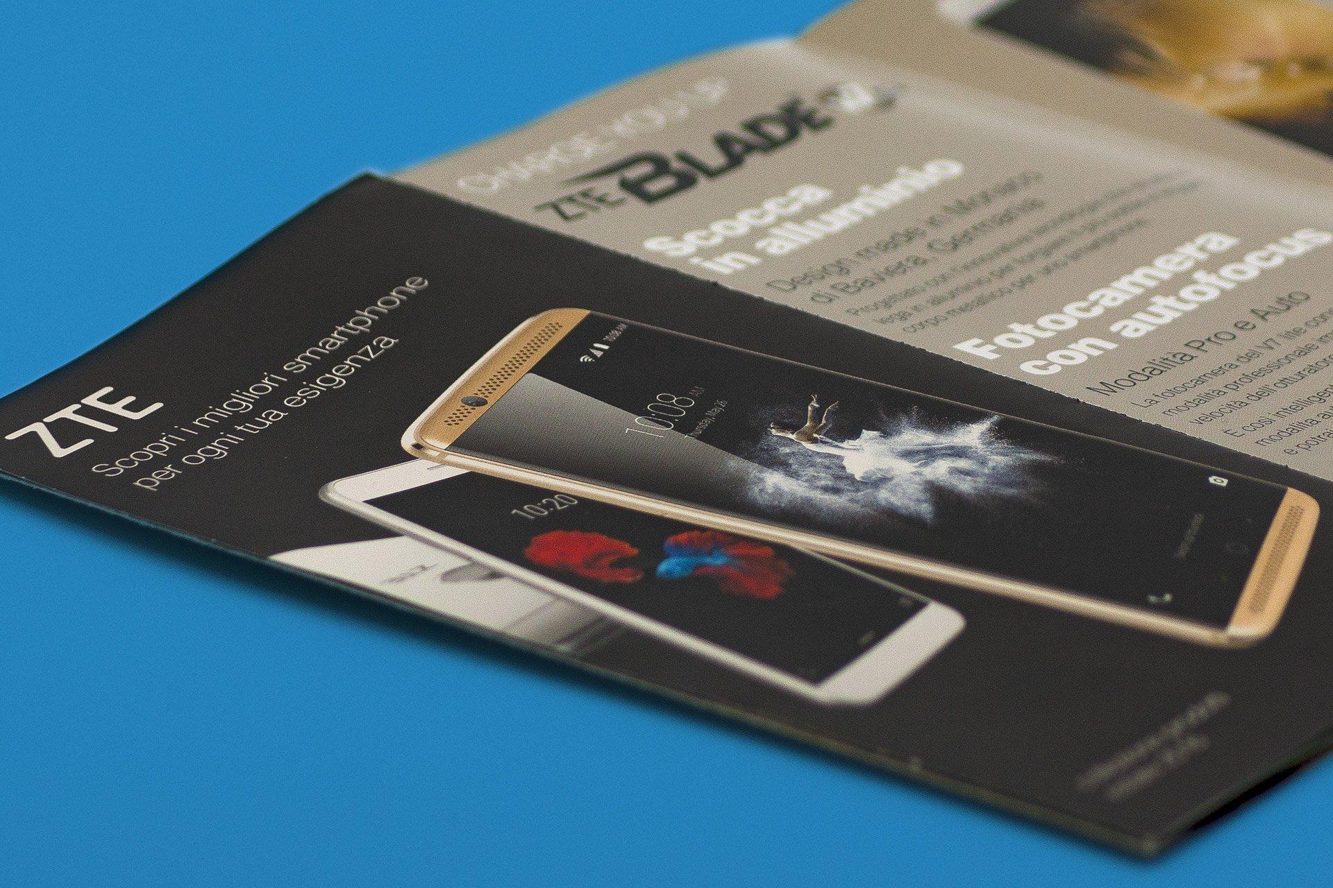 copertina catalogo smartphone